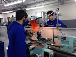 Manutenção de injetoras de plástico