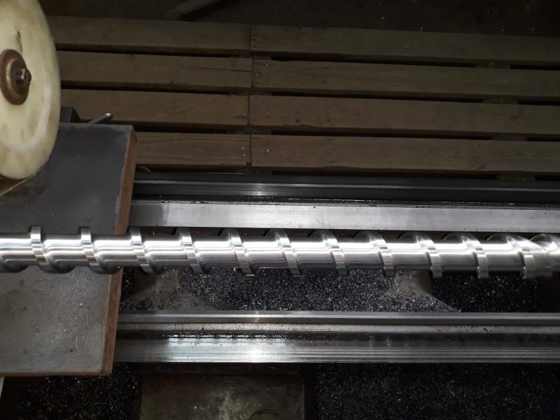 Fabricação de roscas para extrusoras