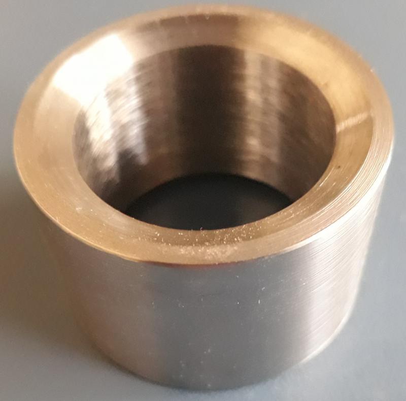 Usinagem de anéis de bloqueio para injetoras